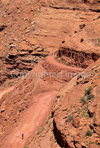 Mountain biker(s) on White Rim Trail - 354 - 72 ppi