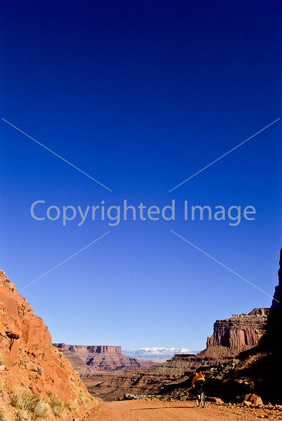 Mountain biker(s) on White Rim Trail - 335 - 72 ppi