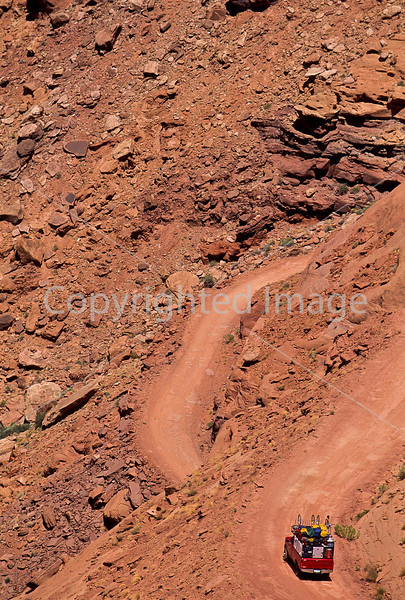 Mountain biker(s) on White Rim Trail - 419 - 72 ppi