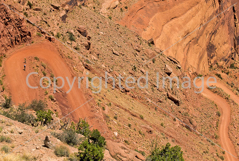 Mountain biker(s) on White Rim Trail - 336 - 72 ppi