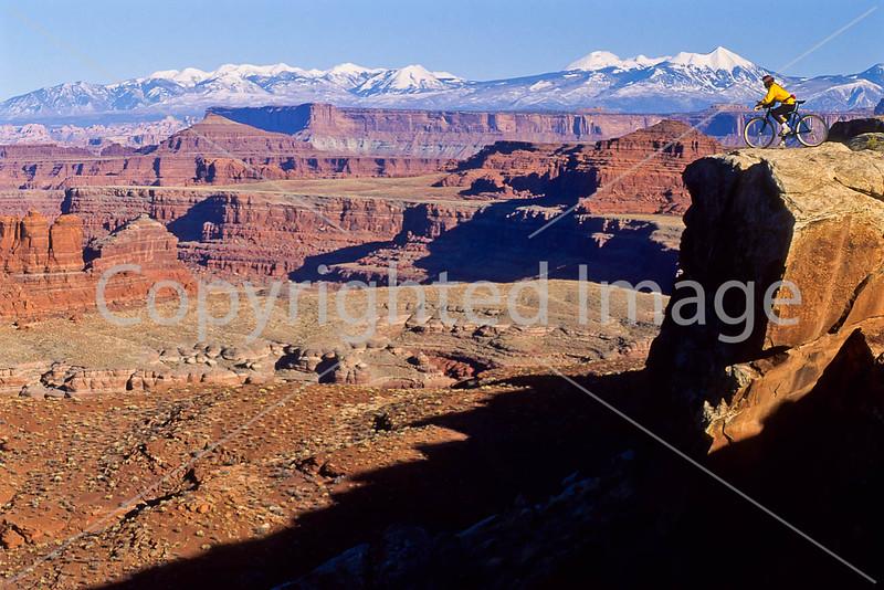 Mountain biker(s) on White Rim Trail - 189 - 72 ppi