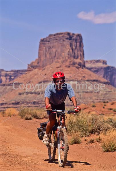 Mountain biker(s) on White Rim Trail - 293 - 72 ppi