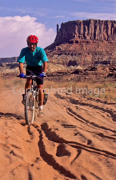 Mountain biker(s) on White Rim Trail - 344 - 72 ppi