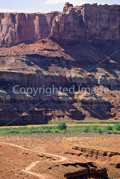 Mountain biker(s) on White Rim Trail - 373 - 72 ppi