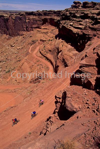 Mountain biker(s) on White Rim Trail - 347 - 72 ppi
