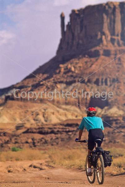 Mountain biker(s) on White Rim Trail - 144 - 72 ppi