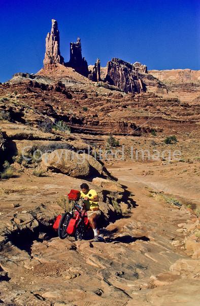 Mountain biker(s) on White Rim Trail - 313 - 72 ppi