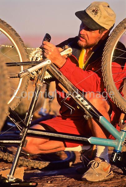 Mountain biker(s) on White Rim Trail - 371 - 72 ppi