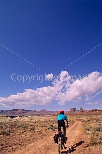 Mountain biker(s) on White Rim Trail - 427 - 72 ppi