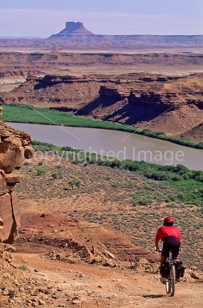 Mountain biker(s) on White Rim Trail - 375 - 72 ppi