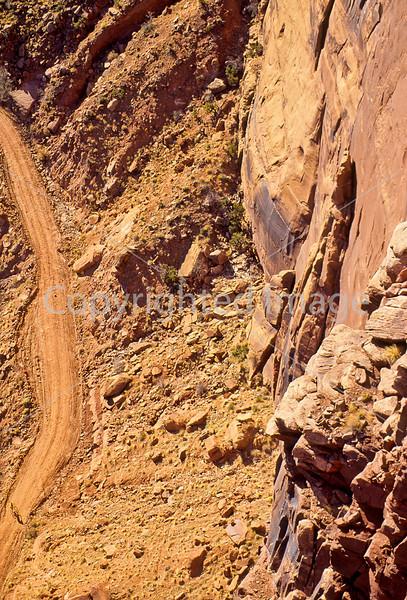 Mountain biker(s) on White Rim Trail - 170#2 - 72 ppi