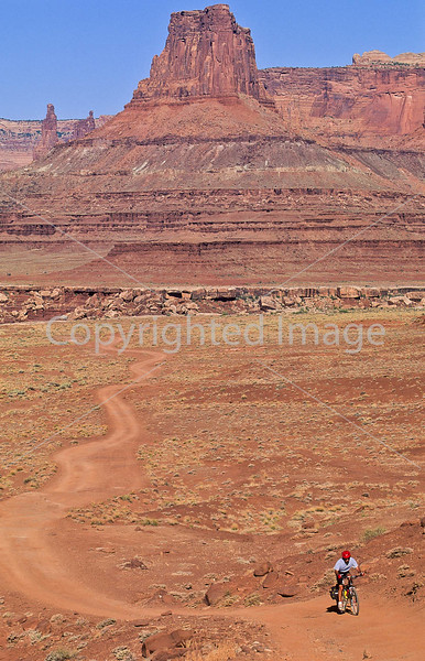 Mountain biker(s) on White Rim Trail - 370e - 72 ppi