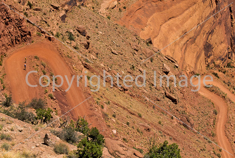 Mountain biker(s) on White Rim Trail - 387 - 72 ppi