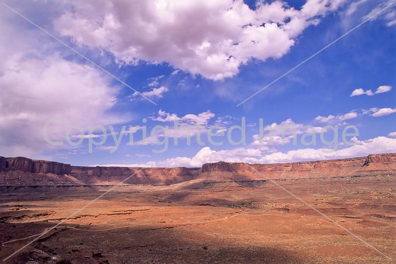 Scenery along White Rim Trail in Canyonlands Nat  Park, Utah - 62 - 72 ppi
