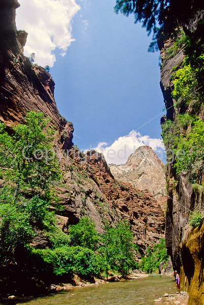 Hikers in Zion National Park, Utah - S11 - 172 - 72 ppi
