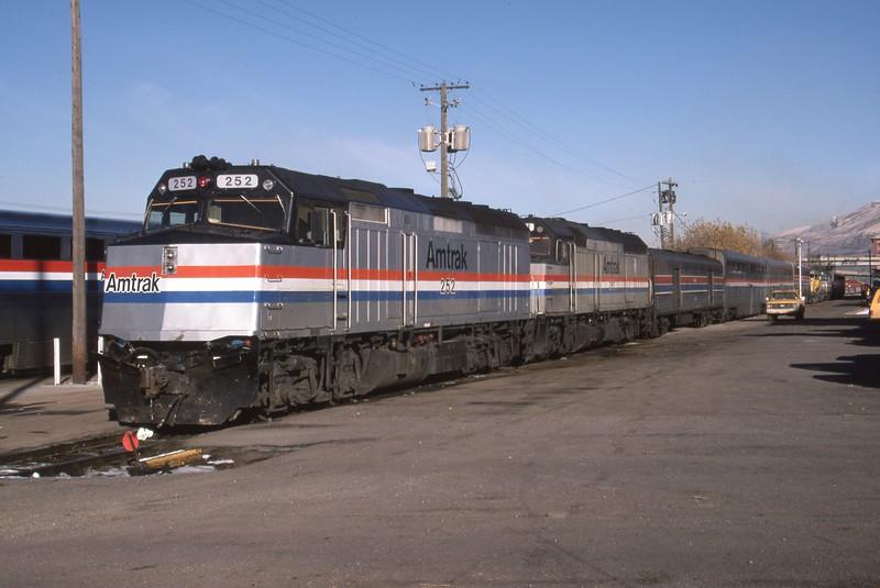 Amtrak-252-Deseret-Wind_Salt-Lake-City-depot_Dec-14-1984_Don-Strack-photo