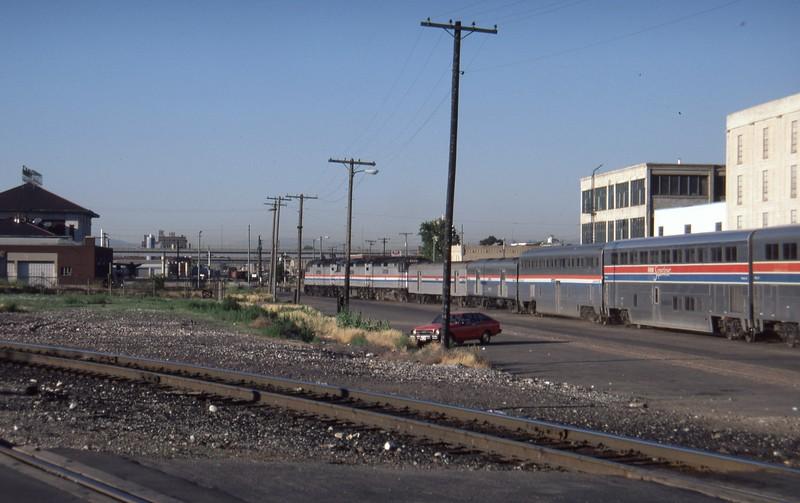 Amtrak-235-CZ-Salt-Lake-City-04_passing-2nd-South_July-16-1984_Don-Strack-photo