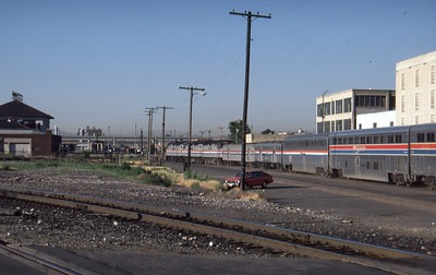 Amtrak-235-CZ-Salt-Lake-City-04_passing-2nd-South_July-16-1984_Don-Strack-photo