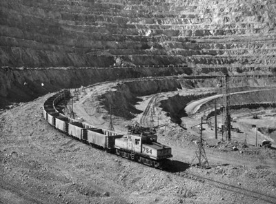 Kennecott 754 in Bingham mine. (Don Strack Collection)