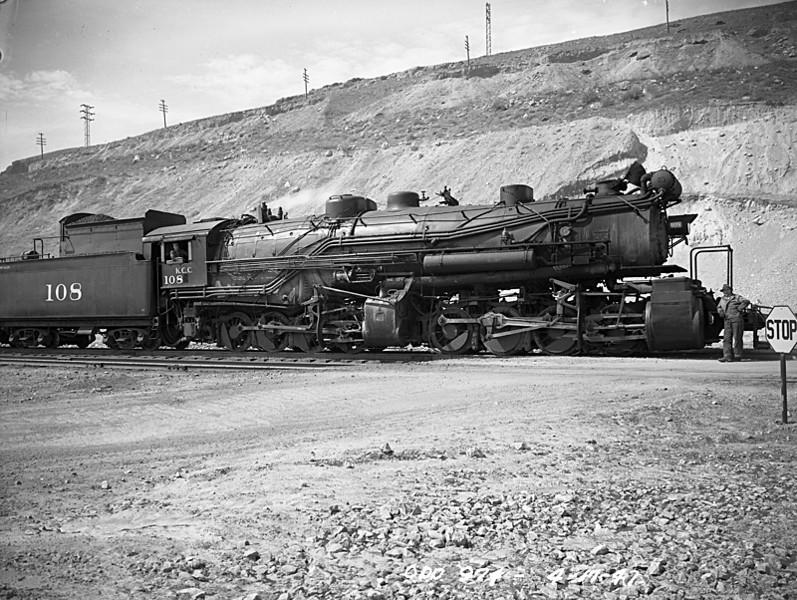 TO_bg-steam-108