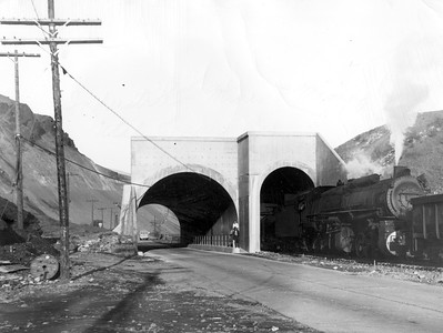 Bingham_C-C-Line-tunnel_December-4-1941_Salt-Lake-Tribune-photo