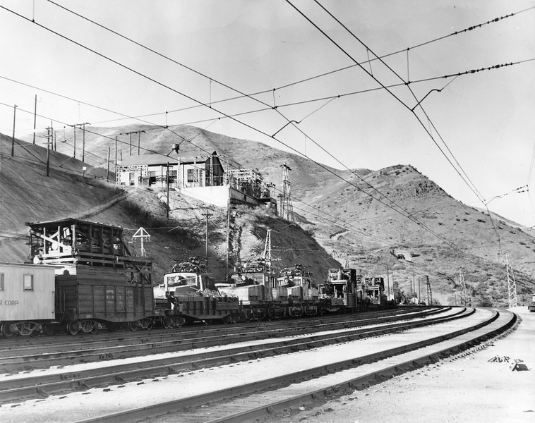 Bingham_Rail-yard_October-1948_Salt-Lake-Tribune-photo