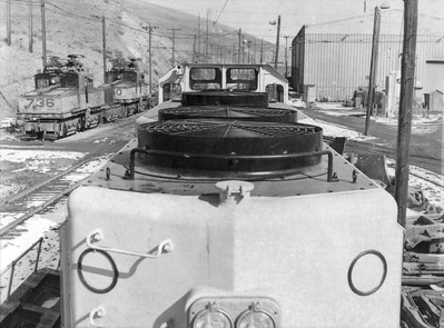 kennecott_gp39_781_roof-from-rear_contact-sheet