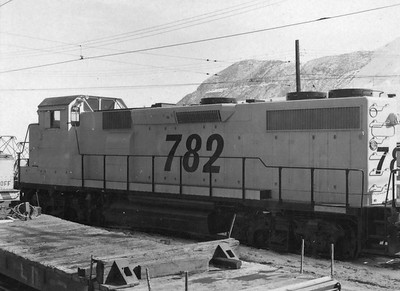 kennecott_gp39_782-from-rear_contact-sheet