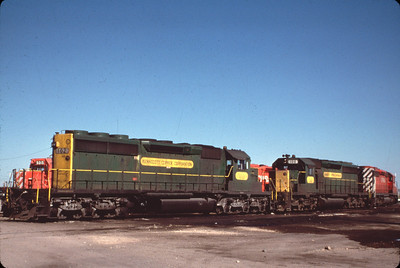 kcc-102-106_on-cp_saskatoon_1986-jun-24_m-r-kindrachuk-photo