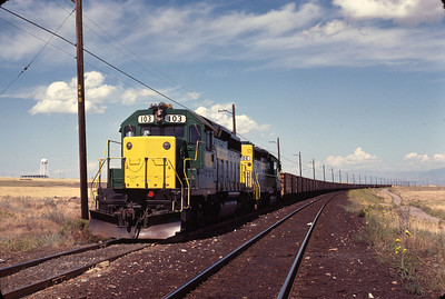 kcc-103-106-with-train_1980-sep-13_jim-aldridge-photo