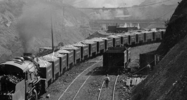 B&G First Train, April 1911