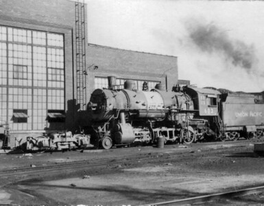 "UP 2-8-0 no. 603. Note the missing axle and the ""staybolt"" internal spark arrestor in the stack. (Bob Smith Photo)"
