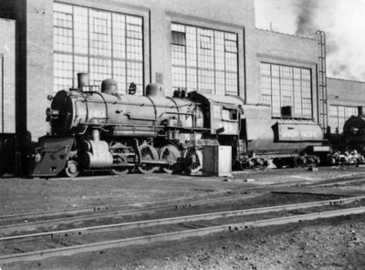 UP 2-8-0 593. Note the large snowplow. (Bob Smith Photo)