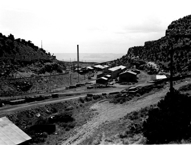 Geneva mine surface buildings. (Don Butler Collection)