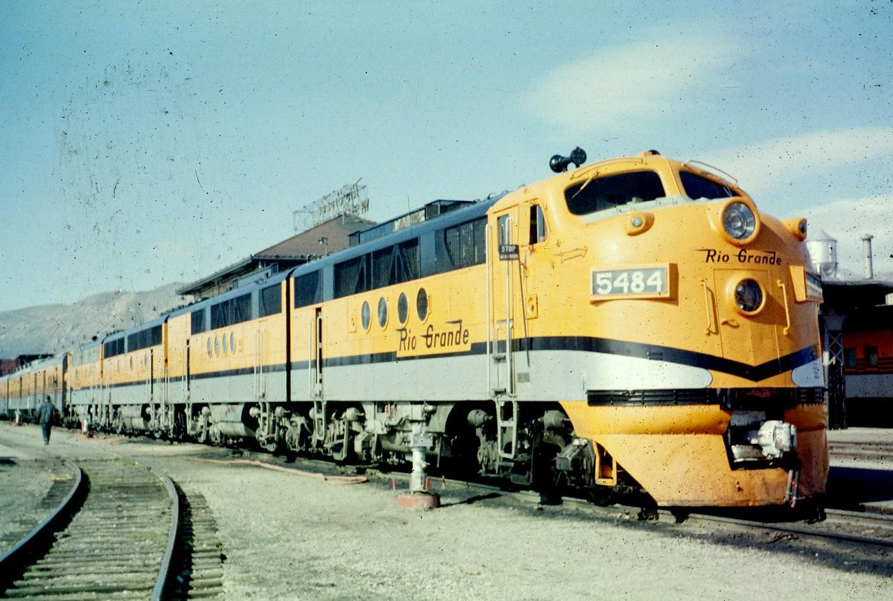 FT 5484 on The Prospector. Salt Lake City. (Dave England Photo)