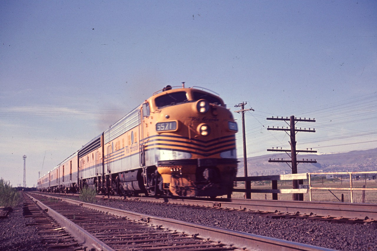 The Prospector passing Roper Yard. June 1967. (Dave England Photo)