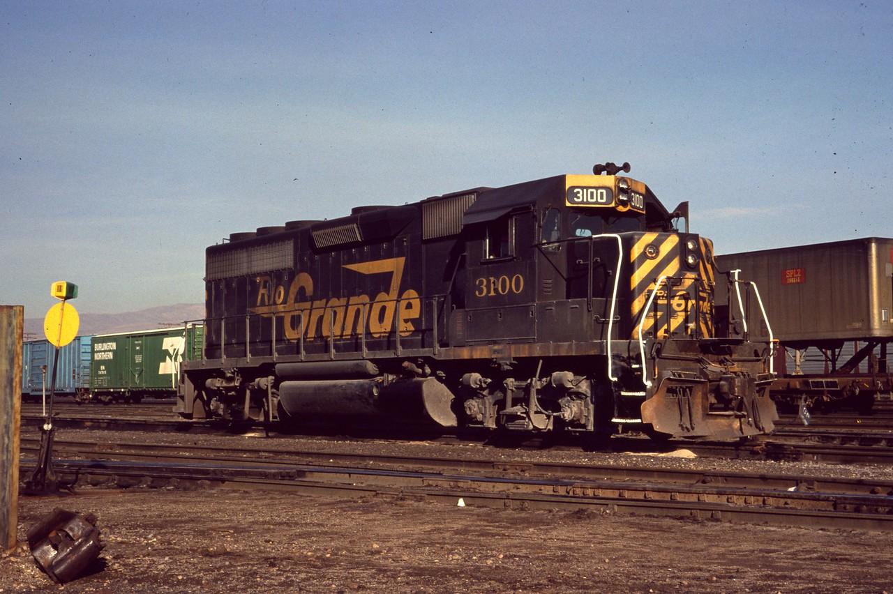 GP40 3100 at Roper. (Dave England Photo)