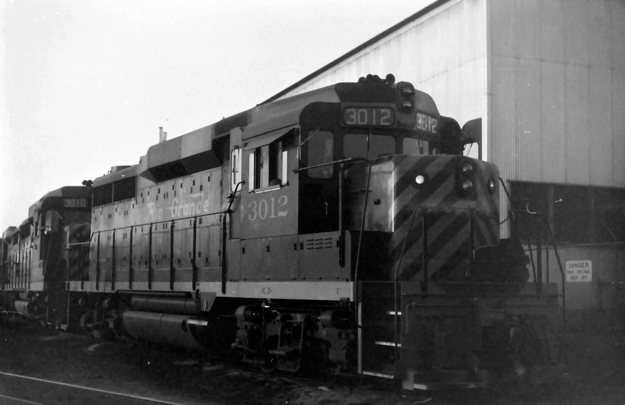 GP30 3012 at Roper.