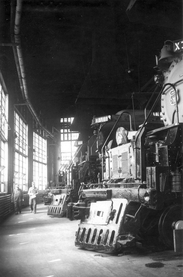 UP-Ogden_roundhouse-interior_May-27-1958_Dave-England-photo