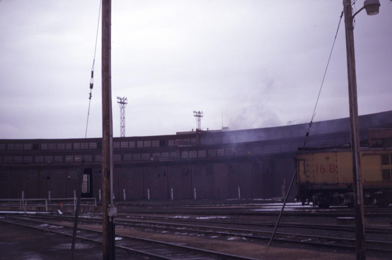 up_ogden-roundhouse_slide03_apr-1971_dave-england-photo