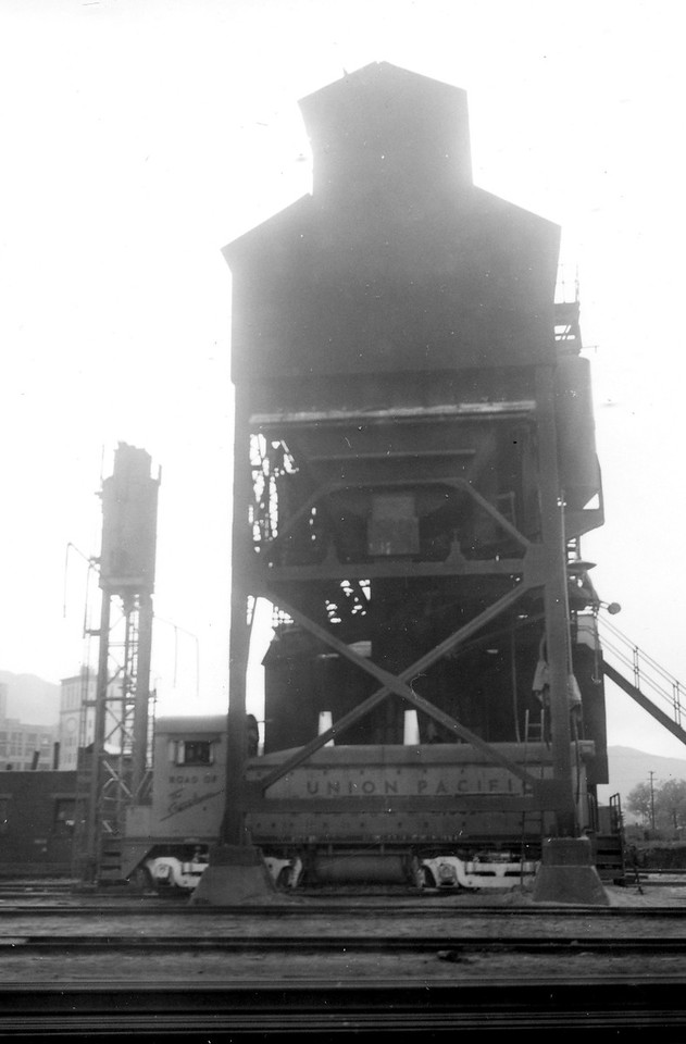UP-Ogden_03-coaling-tower-north_late-1959_Dave-England-photo