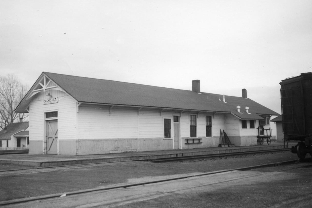 UP_Cache-Jct-depot_west-side_1958_Dave-England-photo