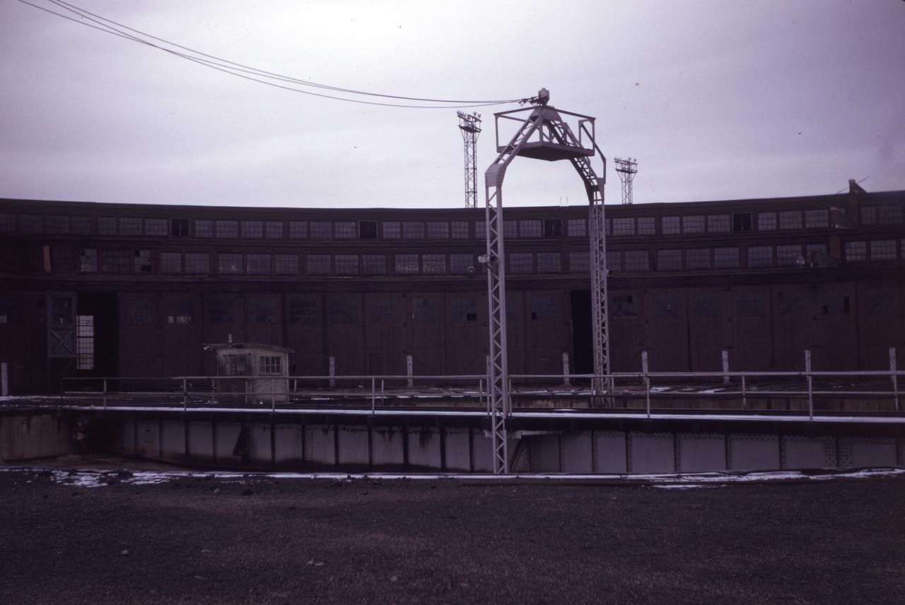 up_ogden-roundhouse_slide05_apr-1971_dave-england-photo