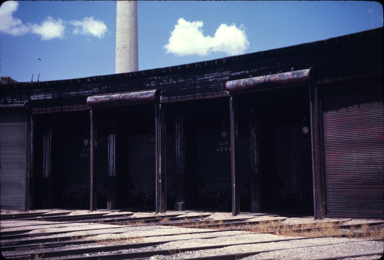 up_cheyenne-roundhouse_jul-1962_de