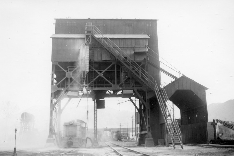 UP-Ogden_04-coaling-tower-west_late-1959_Dave-England-photo