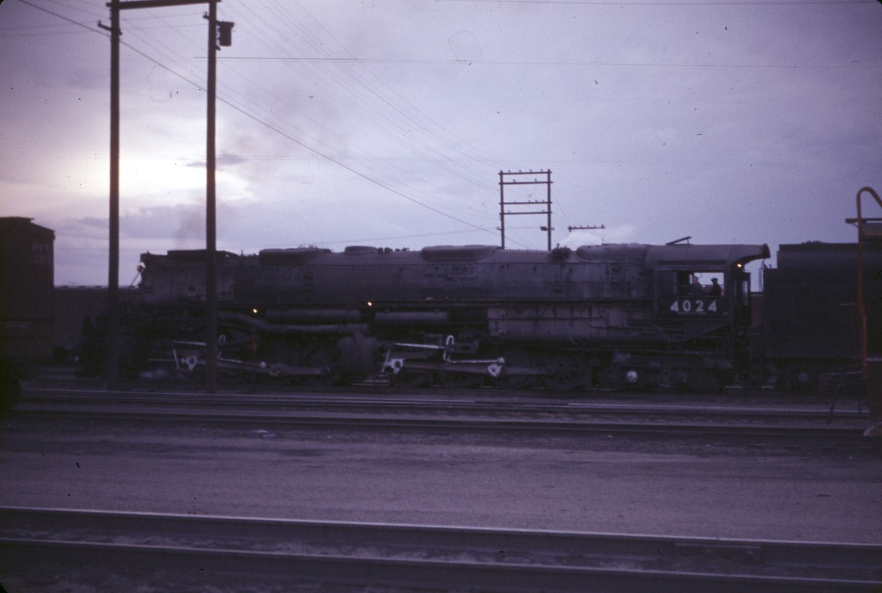 UP 4024. (Dave England Collection)