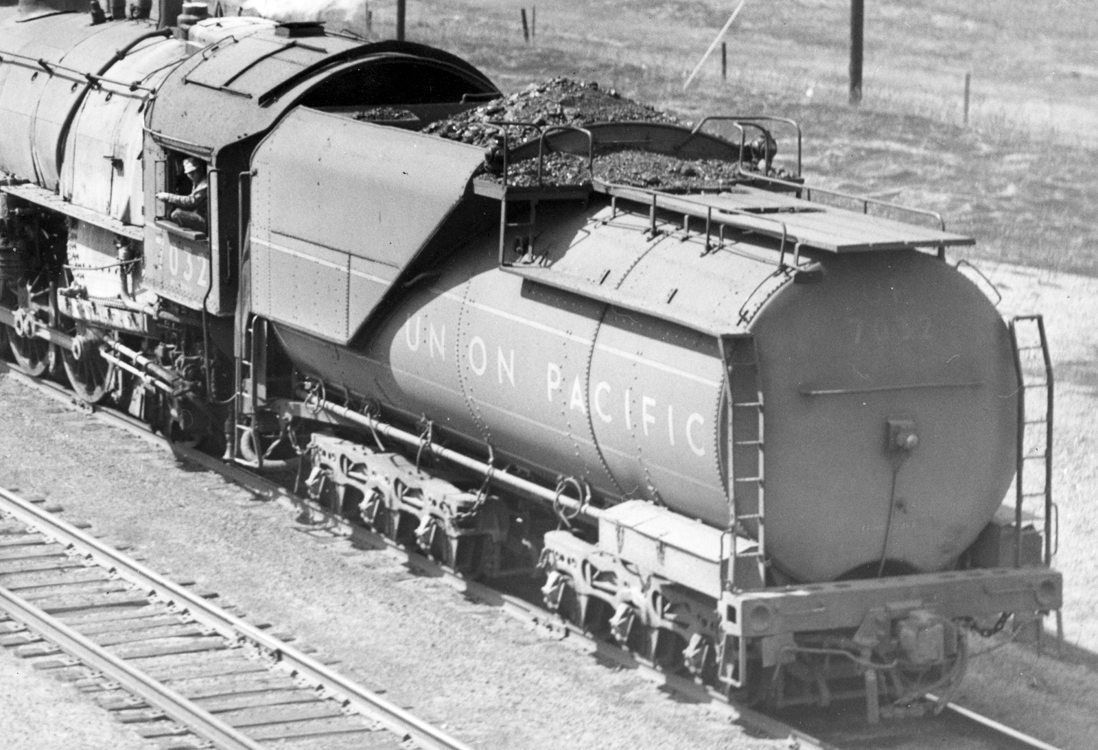 up_4-8-2-7032-tender_apr-17-1948_r-h-kindig-photo_dave-england-collection
