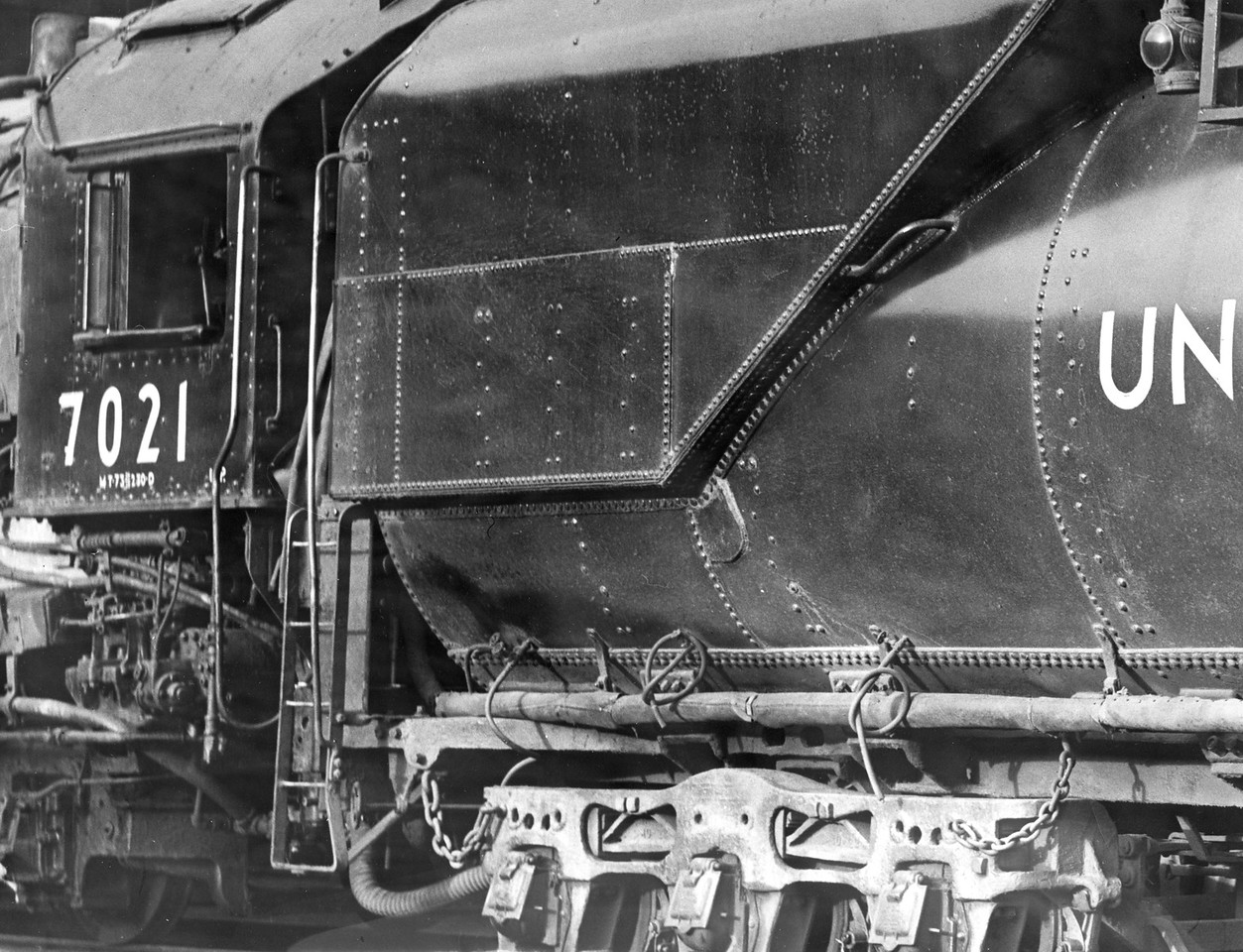 up_4-8-2_7021-tender_sep-4-1939_r-h-kindig-photo_dave-england-collection