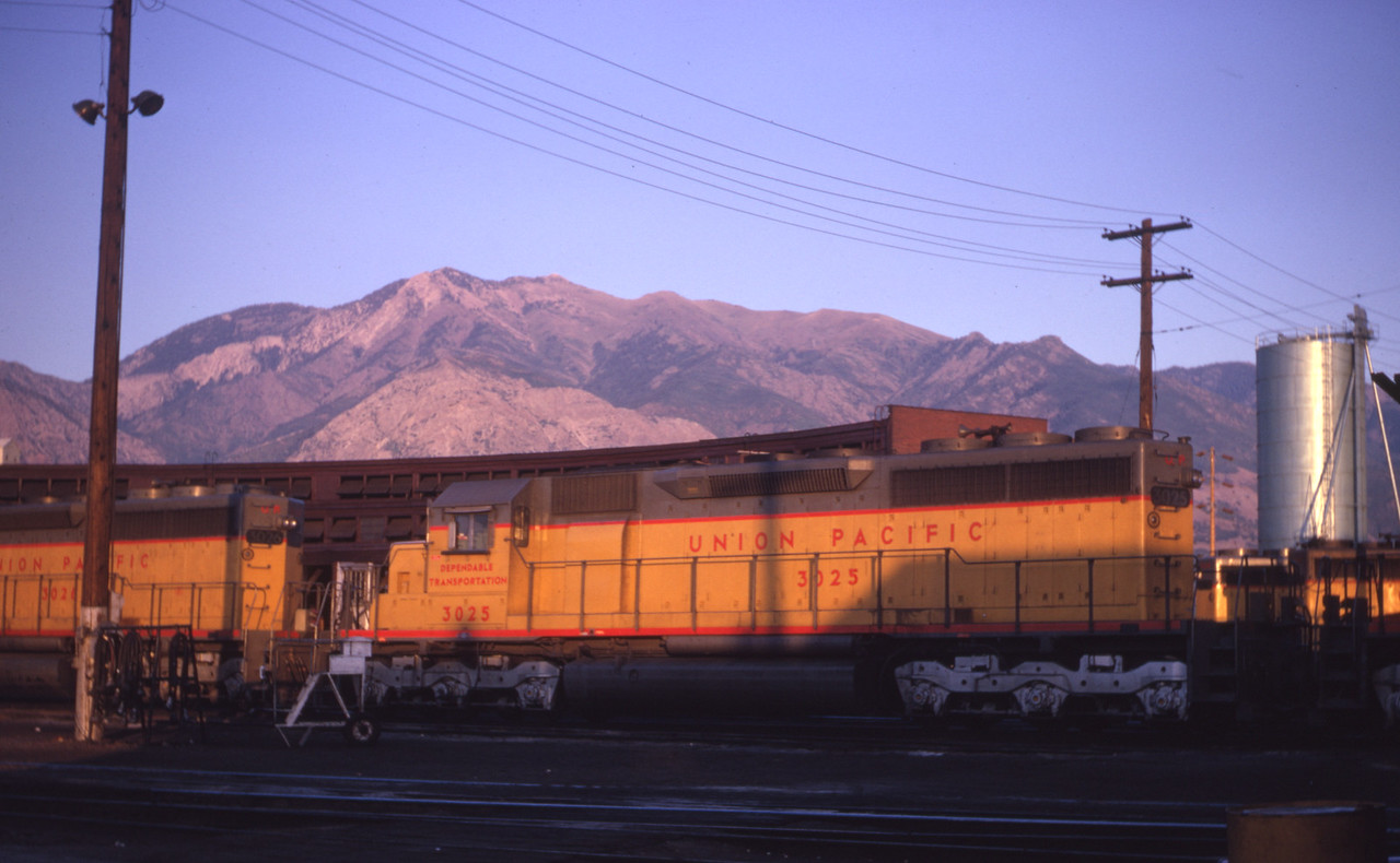 UP_SD40_3025_Ogden_Sep-1966_Dave-England-photo