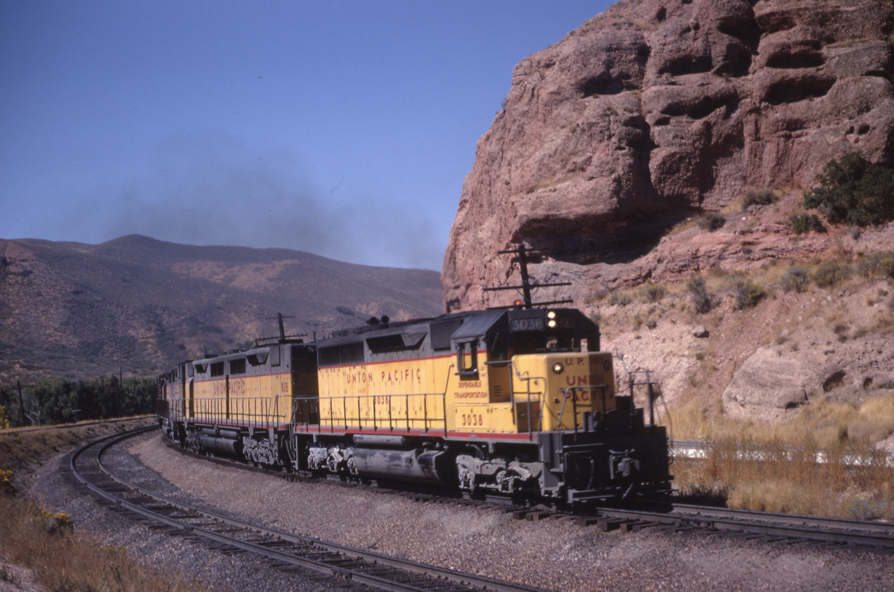 UP_SD40_3038-with-train_Echo_Oct-1967_Dave-England-photo